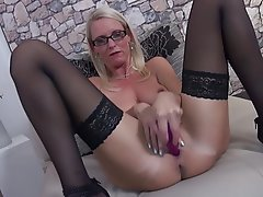 Amateur Granny Mature MILF Stockings